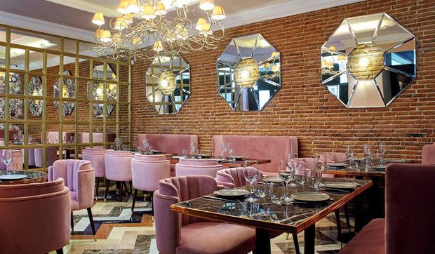 Decoraci n de restaurantes bares y terrazas decorados con for Casa moderna restaurante salta
