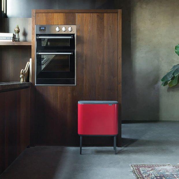 Cubo de basura modelo Bo Touch Bin, de Brabantia bo touch bin de brabantia,con 3 cubos interiores