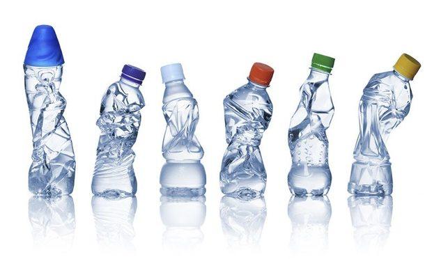 Poliéster procedente de botellas de plástico