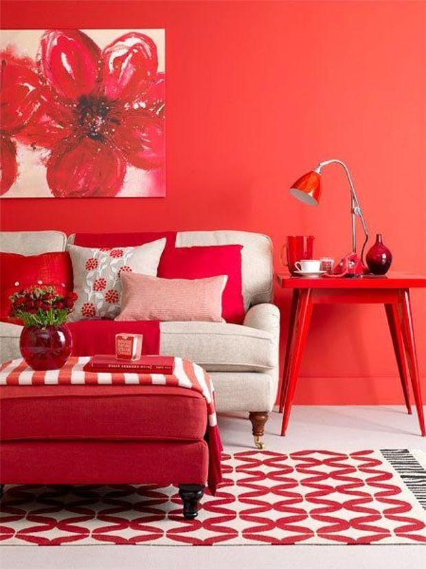 Salón en rojo intenso