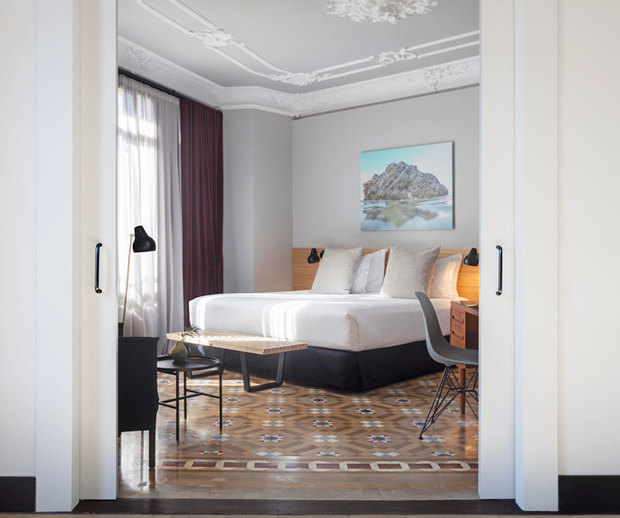 Hotel Alexandra Barcelona Curio Collection by Hilton