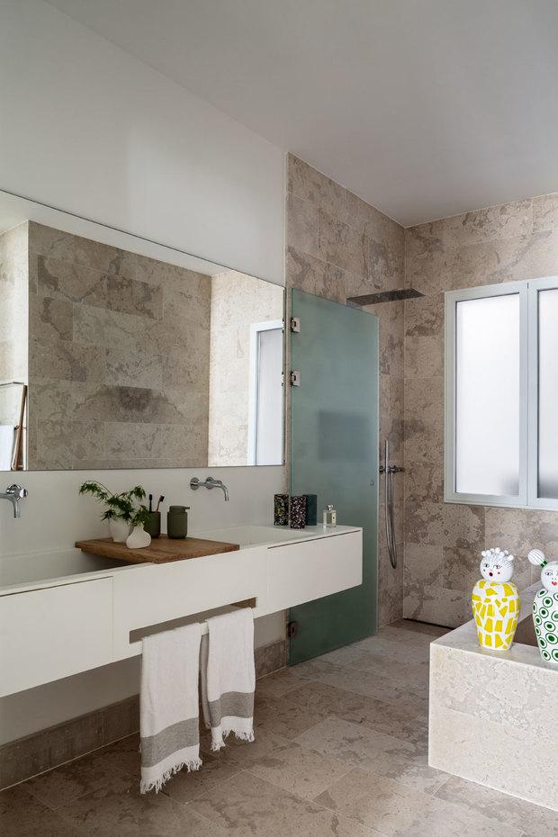 Baño de un piso reformado por Ábaton