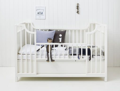 Muebles infantiles en color blanco