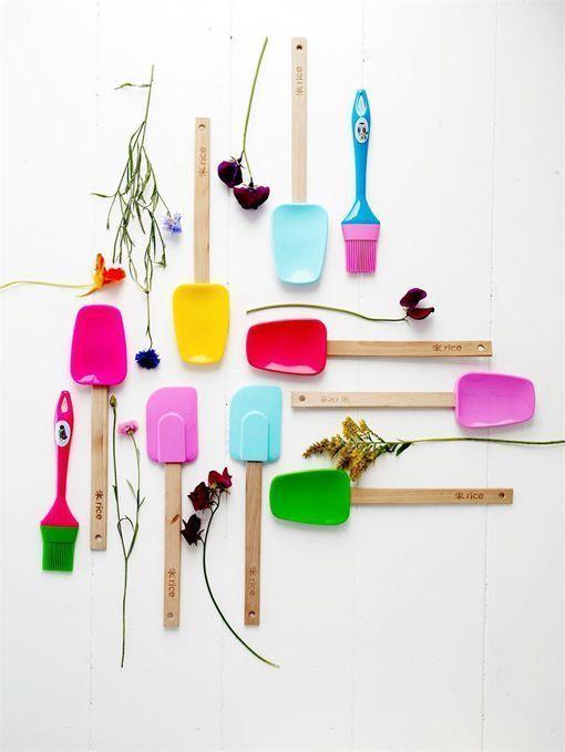 Utensilios de cocina de vivos colores - Utensilios de cocina de diseno ...