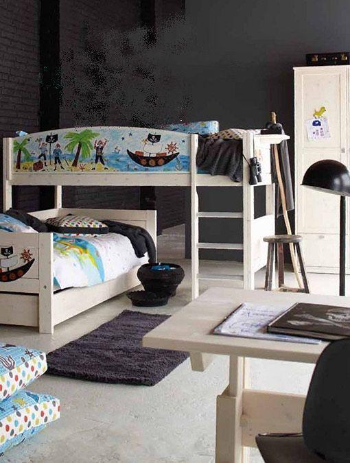 Dormitorios juveniles decorados en negro
