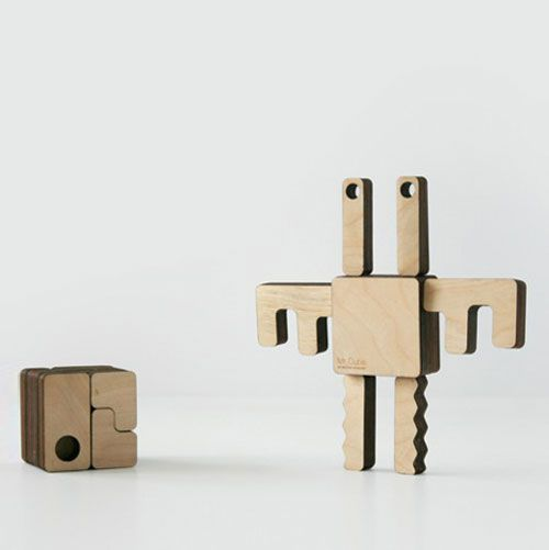 juguete-mr-cube-de-hector-serrano-para-ten-plan-at-100-design-london-1