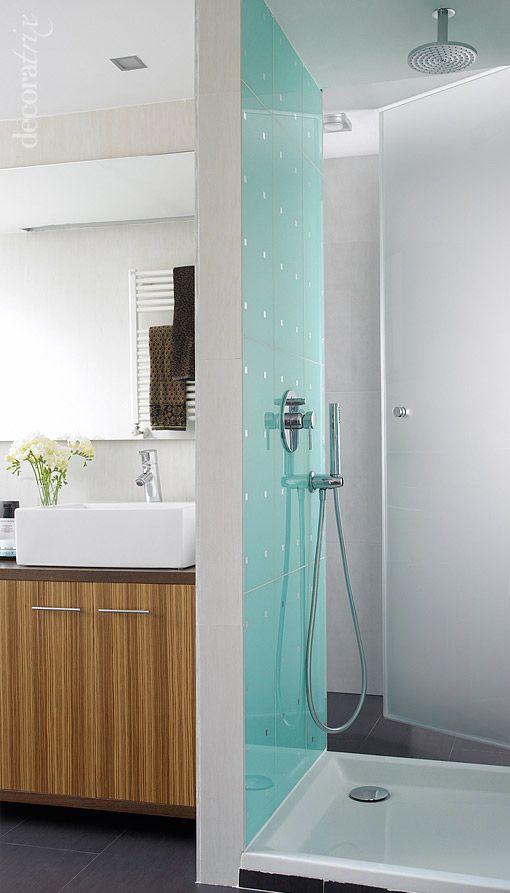 Dos baños que comparten ducha