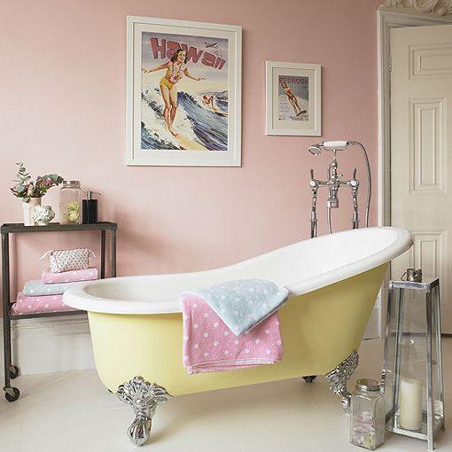 Cuarto de baño de estilo retro