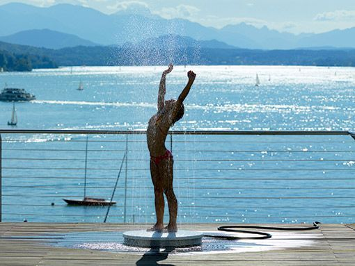 Ducha de exterior de suelo - Duchas para piscinas exterior ...
