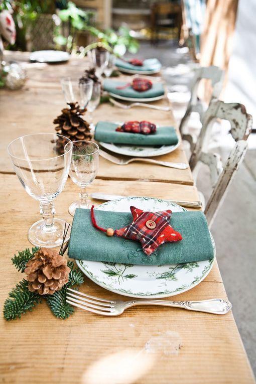 Una mesa de navidad en un ambiente r stico for Ambiente rustico