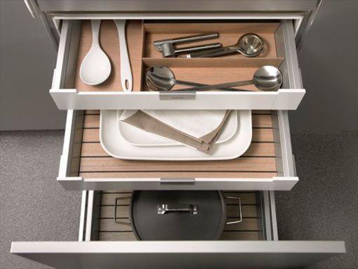 Cajones de cocina siematic con premio de dise o - Mesa de cocina con cajones ...