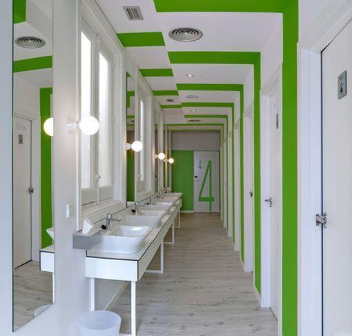 U hostels madrid un albergue de dise o moderno en chamber - Banos en madrid ...