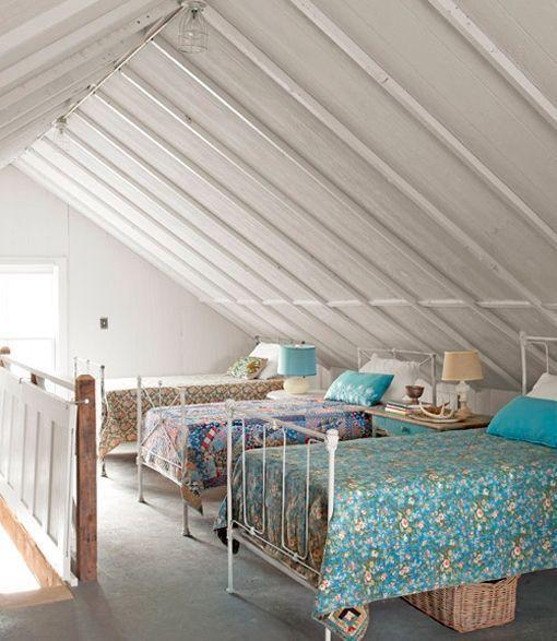 Dormitorios compartidos para tres y cuatro hermanos