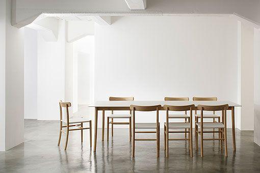 Mesa y sillas de comedor de Jasper Morrison