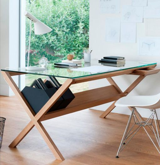 Vuelven los muebles de madera clara - Mesas escritorio de cristal ...