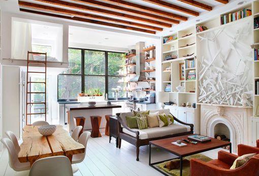 Casa moderna decorada en blanco y madera - Fotos de salones decorados de casas ...