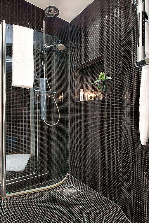 Baño de gresite negro