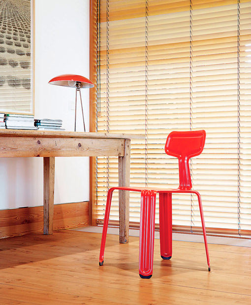 Silla de aluminio Pressed en color rojo