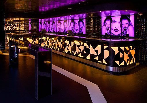 Barra videowall de Le Boutique, discoteca en Madrid