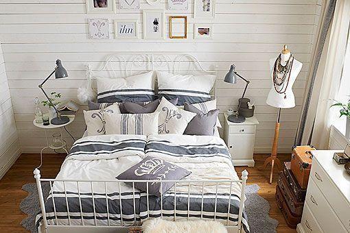 Dormitorio rstico decorado en tonos blancos y azules