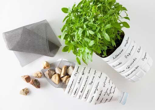 macetas hechas con botellas de plástico de Bezoya para plantas aromáticas: paso 6