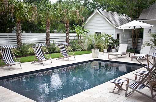 Una piscina con pabell n de verano para disfrutar en familia - Casa de verano con piscina ...