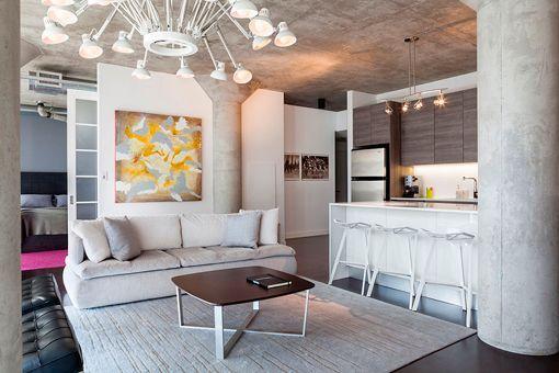 Apartamento peque o de estilo industrial for Cocina apartamento pequeno