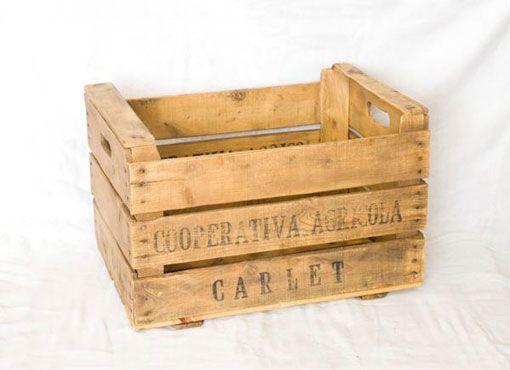 Cajas de fruta recuperadas para organizar tus cosas - Decorar cajas de madera de frutas ...