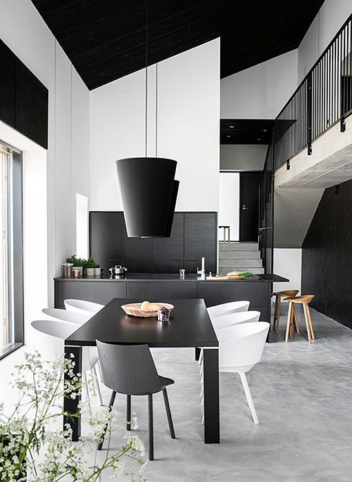 Decorar en negro 12 ideas para interiores modernos y for Colores para interiores de casa modernos