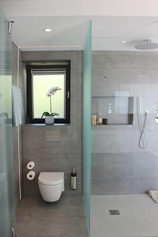 Dormitorio con cuarto de ba o y vestidor integrados - Estantes para interior ducha ...