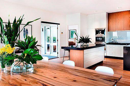 Casa actual y contemporánea en la costa australiana