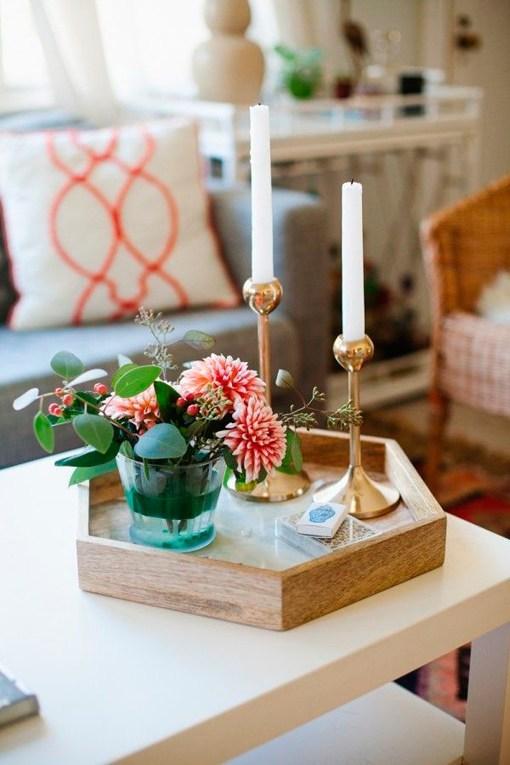 C mo decorar la mesa de centro en el sal n - Bandejas decoracion salon ...