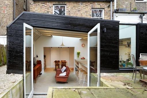 Ampliaci n de una cocina hacia el jard n interior for Color de pintura al aire libre casa moderna