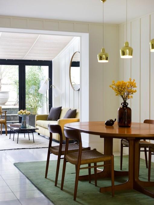 Reforma de una casa de estilo retro-moderno