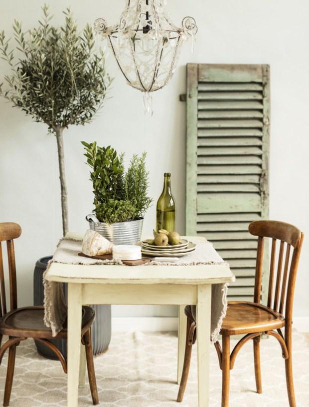 Salón-comedor de estilo provenzal