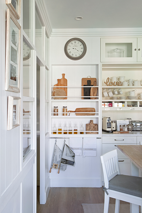 Cocina con cuarto de lavado y despensa - Muebles despensa cocina ...
