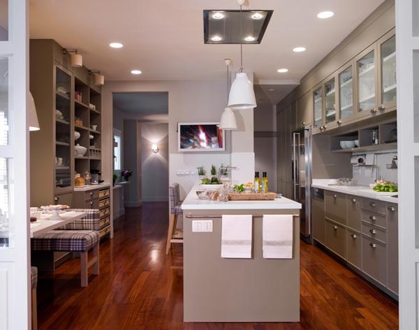 Cocina con cuarto de lavado y plancha - Distribucion cocina ...