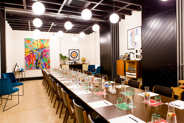 Sala de reuniones del hotel Only You Atocha