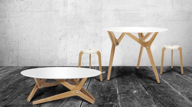 Mesa de centro transformable en mesa de comedor, o viceversa