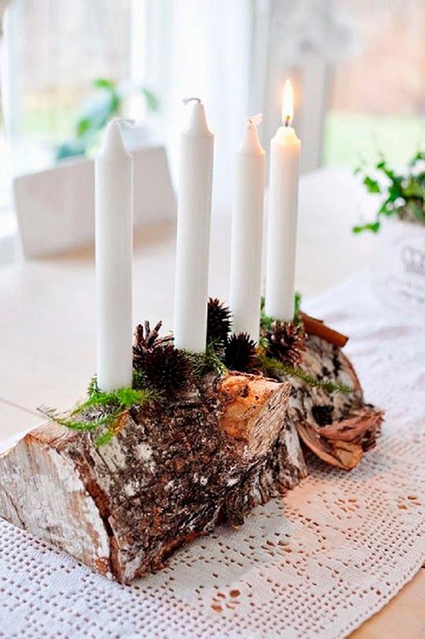 Adornos navideños con velas y objetos reciclados