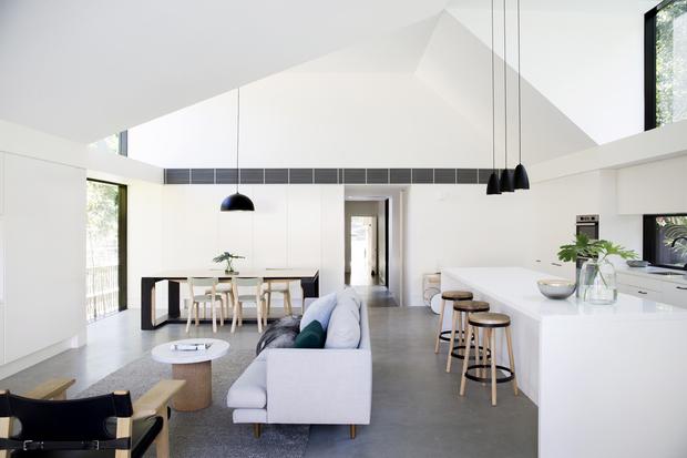 Reforma de sal n comedor y cocina de estilo minimalista - Spa tres casas ...