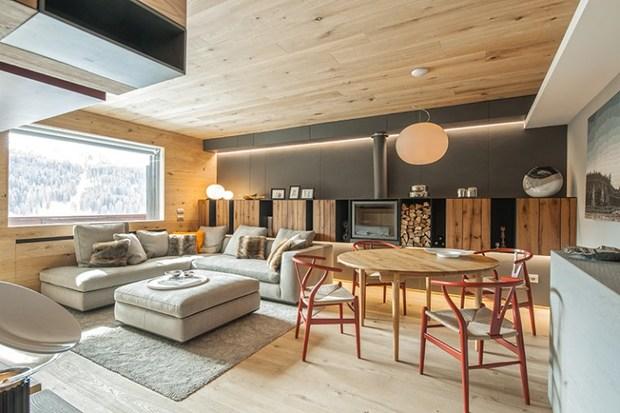 Casa de madera de estilo contempor neo for Casas decoradas estilo contemporaneo
