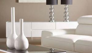 Muebles b sicos para un sal n moderno for Muebles laqueados