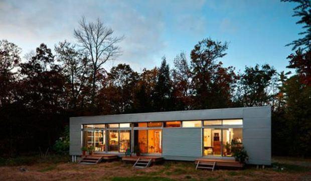 Casa Prefabricada Decorada Con Muebles Reciclados Y