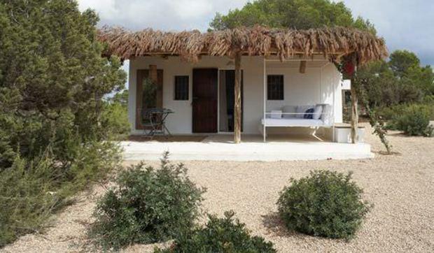 Casita de campo ibicenca tipo bungaló