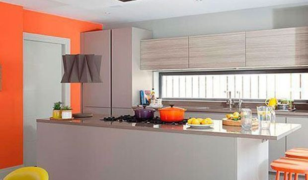 Cocina Naranja Y Gris Una Decoracion Moderna Alegre Y Luminosa - Cocinas-en-gris