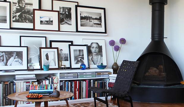 Colgar cuadros y fotos de forma decorativa