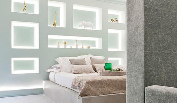 Dormitorio tipo suite con salón y baño proyectado para Casa Decor 2015