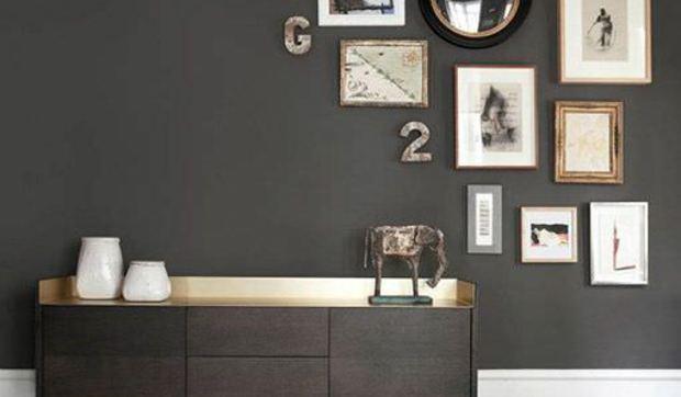 Nuevas formas de colgar cuadros y espejos for Decorar paredes con cuadros y espejos