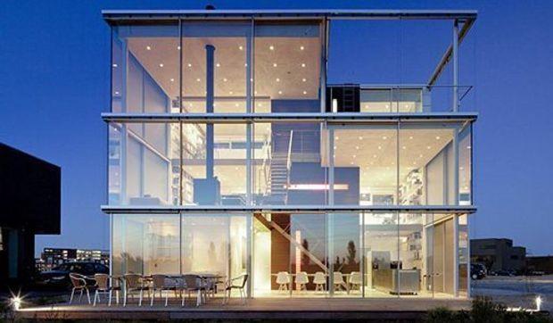 Una casa de tres plantas en msterdam for Casa de tres plantas sylvanian